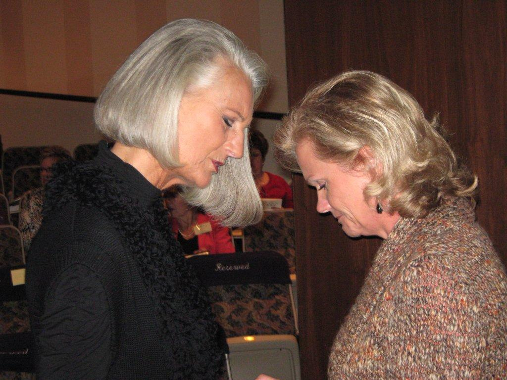 Anne Graham Lotz Photo praying.jpg